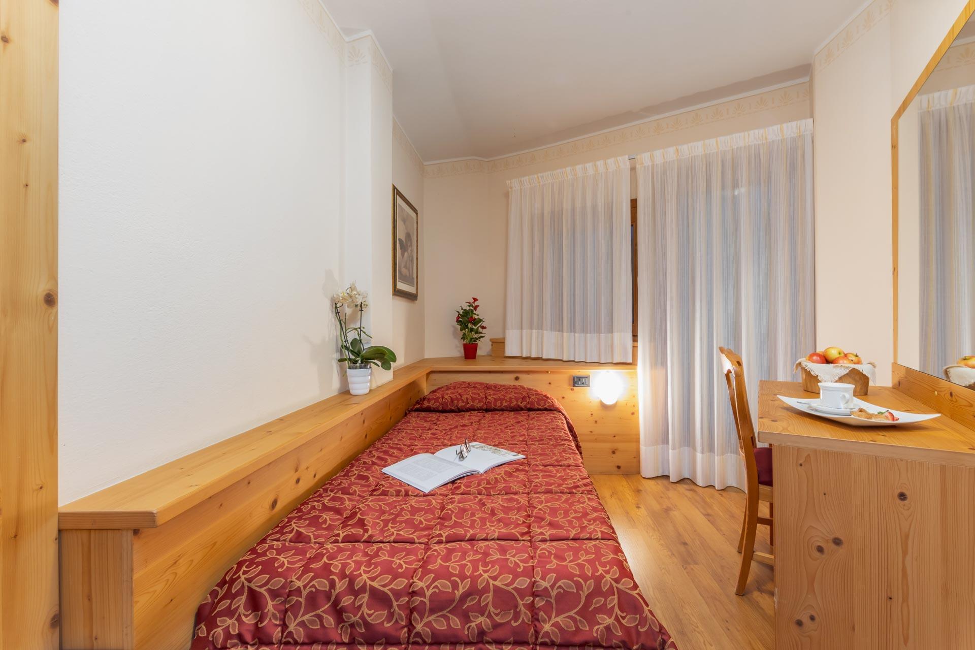 hotel-vicino-molveno-e-terme-di-comano-miravalle-cucina-tipica-con-piscina-113
