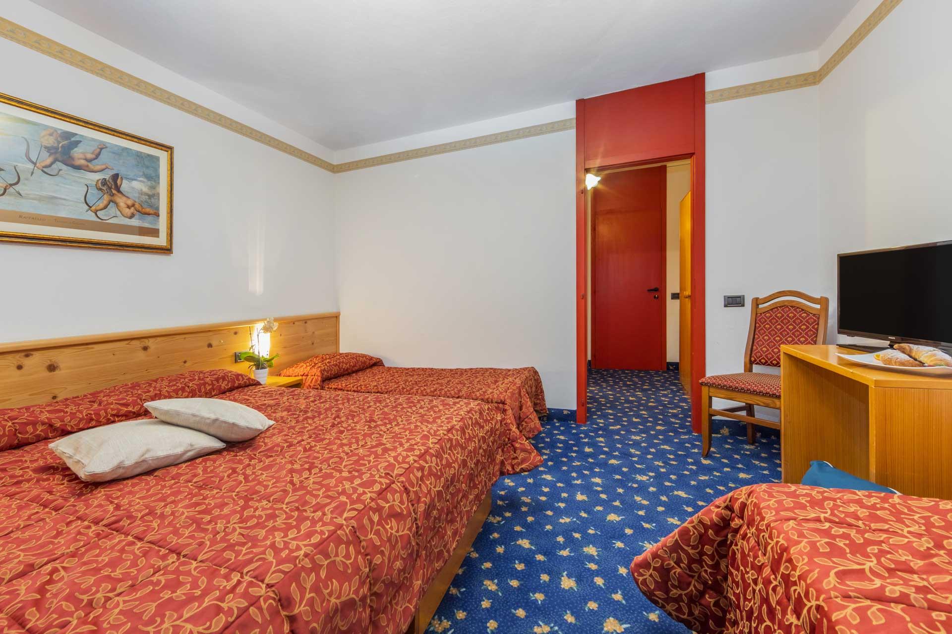 hotel-vicino-molveno-e-terme-di-comano-miravalle-cucina-tipica-con-piscina-118