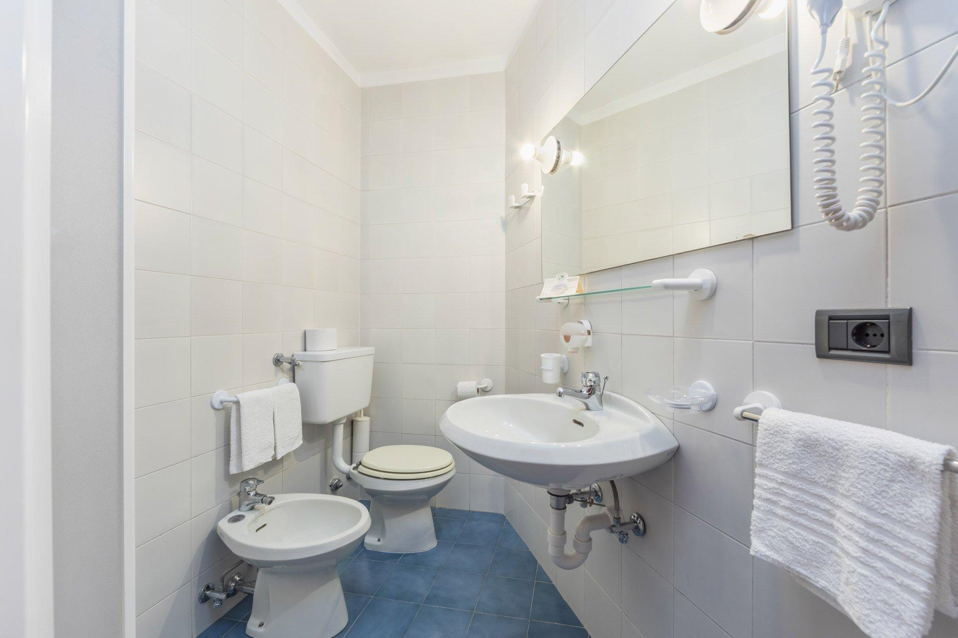 hotel-vicino-molveno-e-terme-di-comano-miravalle-cucina-tipica-con-piscina-121