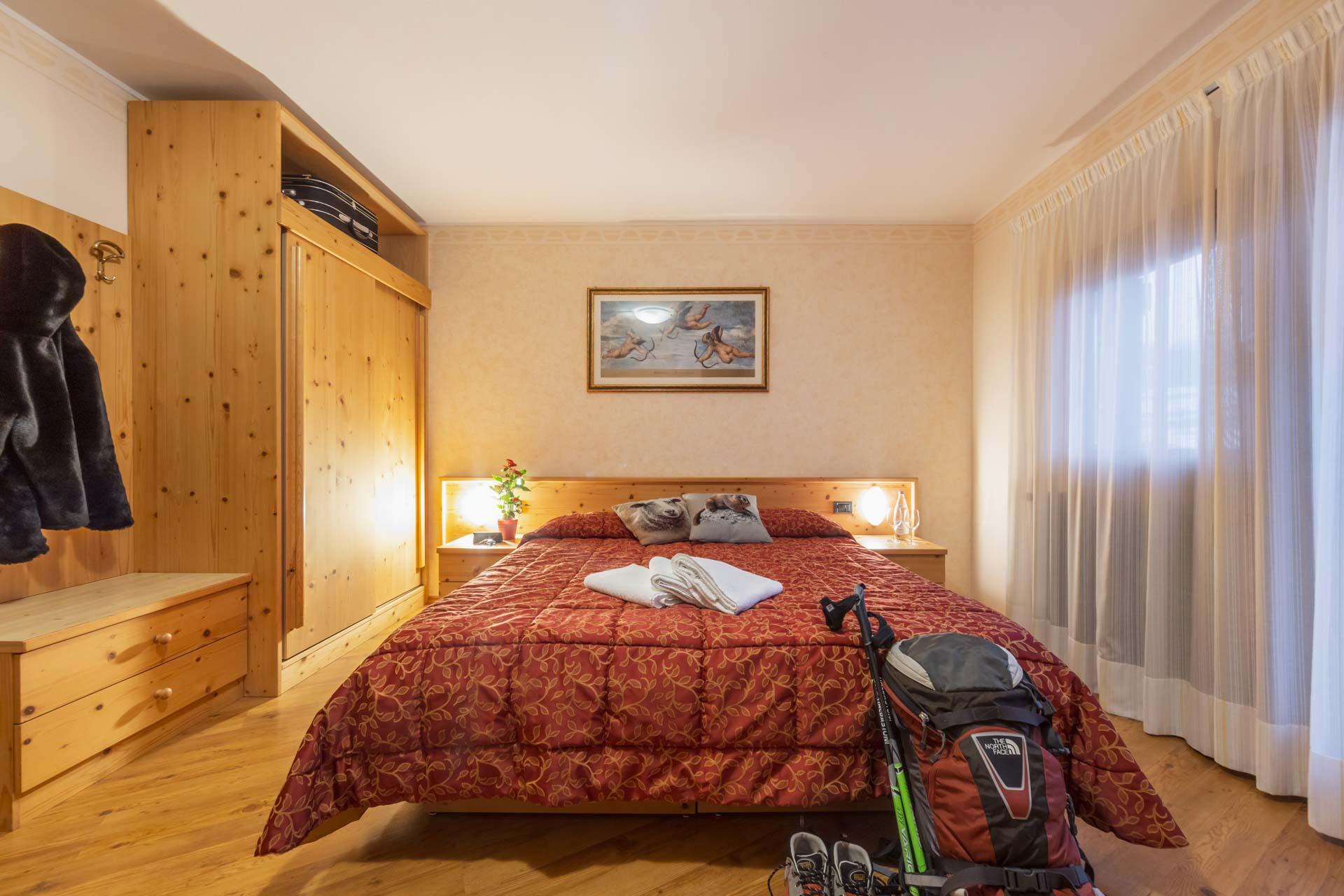 hotel-vicino-molveno-e-terme-di-comano-miravalle-cucina-tipica-con-piscina-97