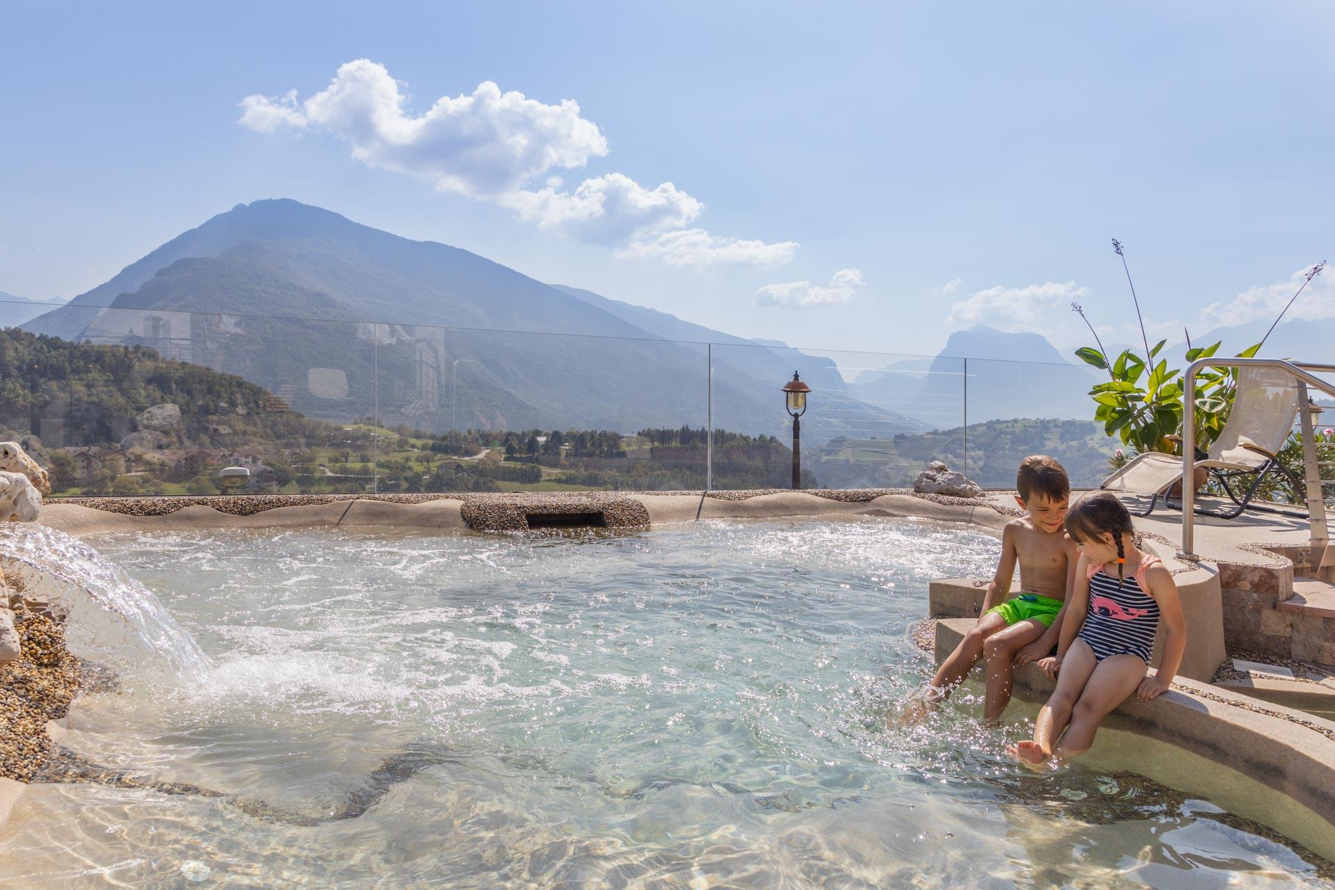 hotel-vicino-molveno-e-terme-di-comano-miravalle-trentino-con-piscina-161