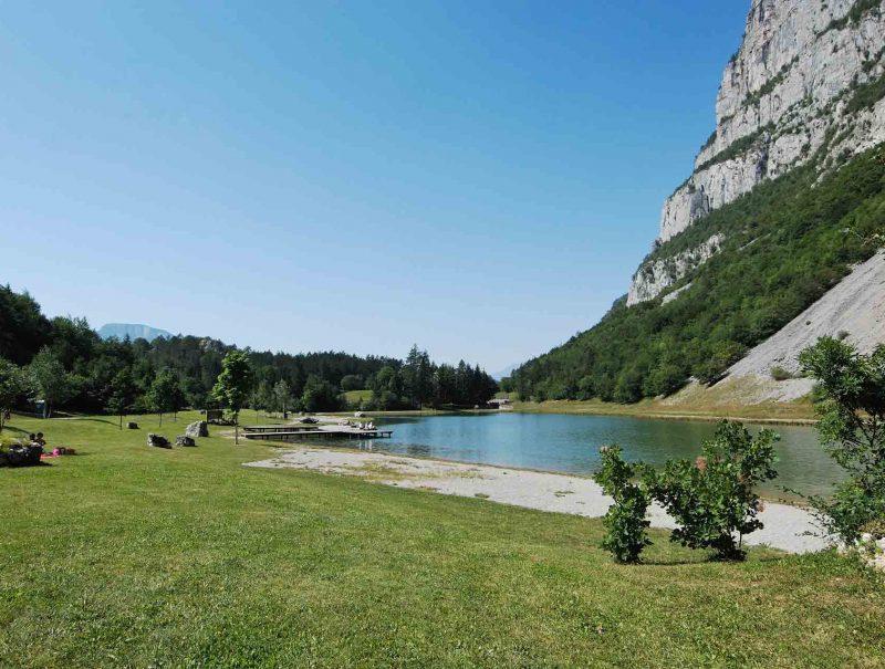 lago-di-nembia-dolomiti-di-brenta-miravalle-1
