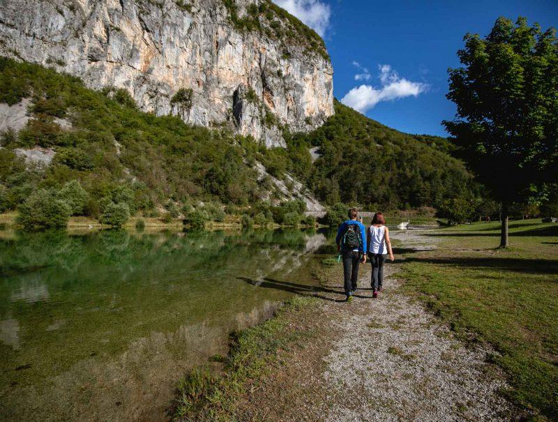 lago-di-nembia-dolomiti-di-brenta-miravalle-4